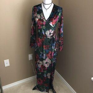 NWOT Zara velvet printed kimono